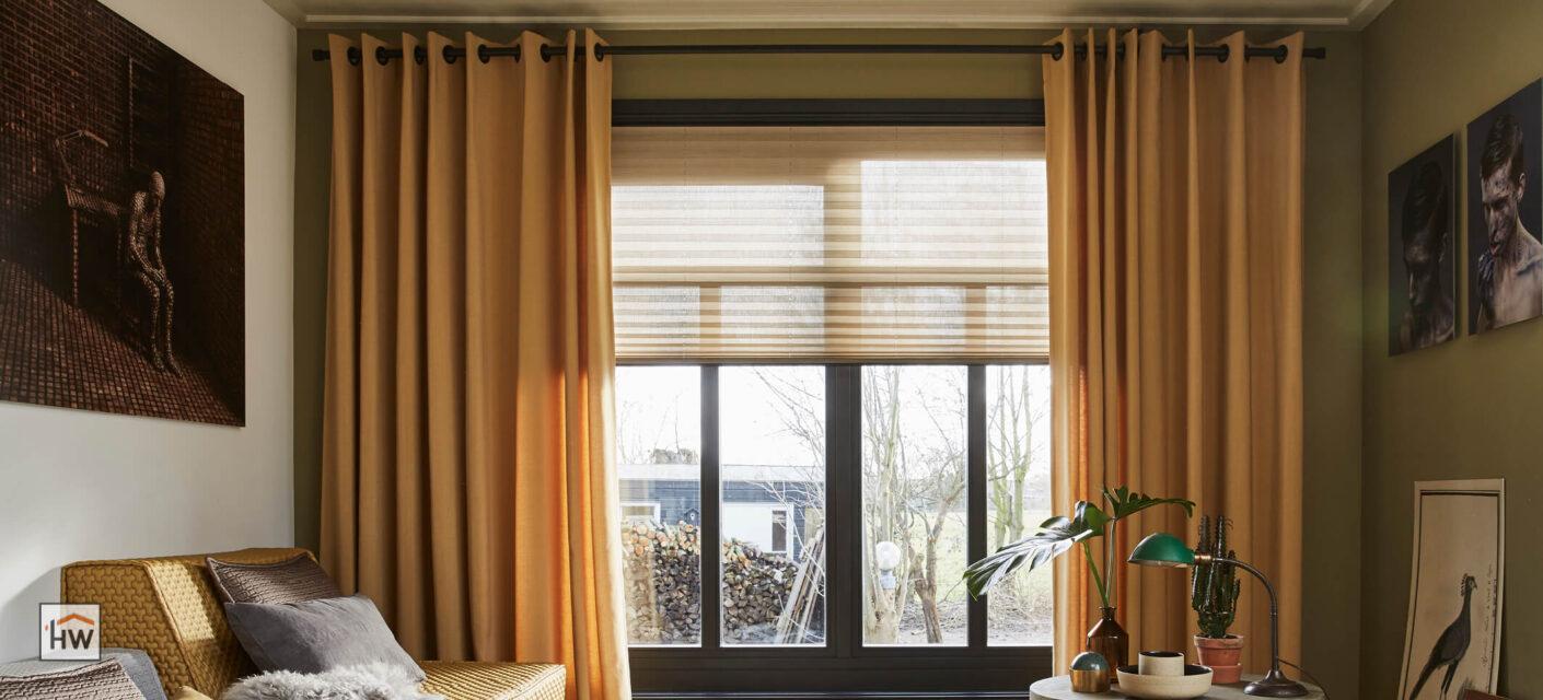 HW Huis & Wonen Gorinchem Plisse met mosterdgele overgordijnen